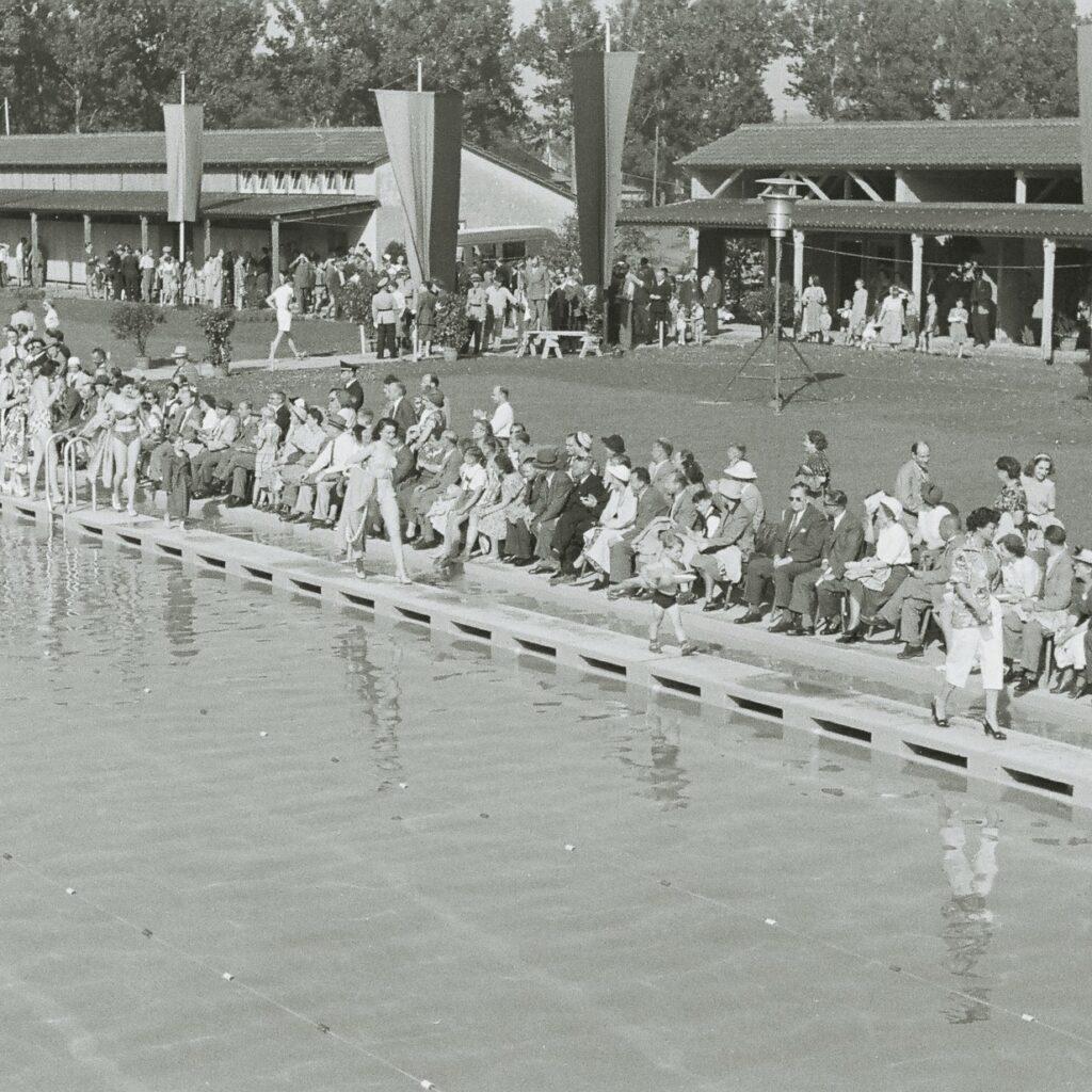Eröffnung im Freibad: Mit einer Modenschau wurde das Bad 1951 eröffnet